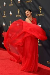 hbz-the-list-emmys-2016-priyanka-chopra